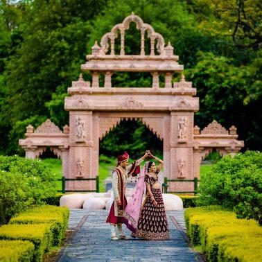 Hindu wedding photography oshwal