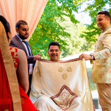 Hindu Wedding Photographer   Natural Fun & Creative Style